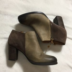 Sperry • Chunky heeled ankle bootie